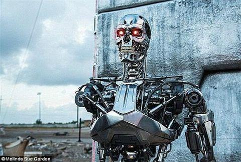 国外人工智能突然失控 自由活动 且叫人类去死