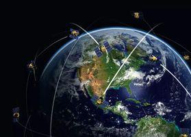 卫星追逐战