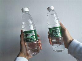 """盗版""""怡慷""""水:商标失效仍在售 工厂不让陌生人进"""