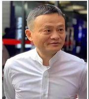 李嘉诚90岁尚在一线,为何马云50多岁就退休?