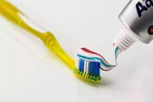 13年亏损,98%以8分钱卖给酒店,国民牙膏两面针该如何求生?