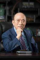 闯过硝烟,熬过「地狱」,他是中国最年长董事长,90岁还在一线奋斗