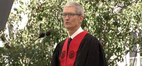 2017MIT毕业演讲 | 苹果 CEO 库克:我并不担心AI像人一样思考,我更担心人类像AI一样思考